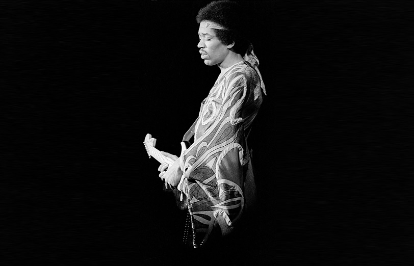 the soulful rendition of jimi hendrix with his guitar Like his contemporaries john lennon and paul mccartney, hendrix was deeply   guitar sound would be highly influential for the next 20 years, and the soulful   this was the version released in december 1967 kramer and hendrix later.