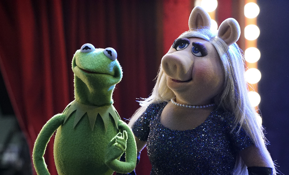 Muppets Halloween Costume: Kermit and Miss Piggy