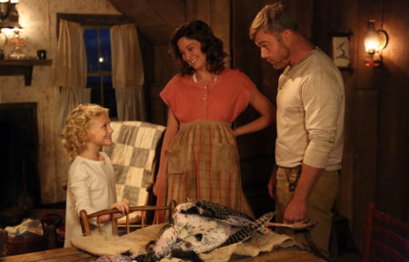 DOLLY PARTON'S COAT OF MANY COLORS, Alyvia Alyn Lind, Jennifer Nettles, Ricky Schroder