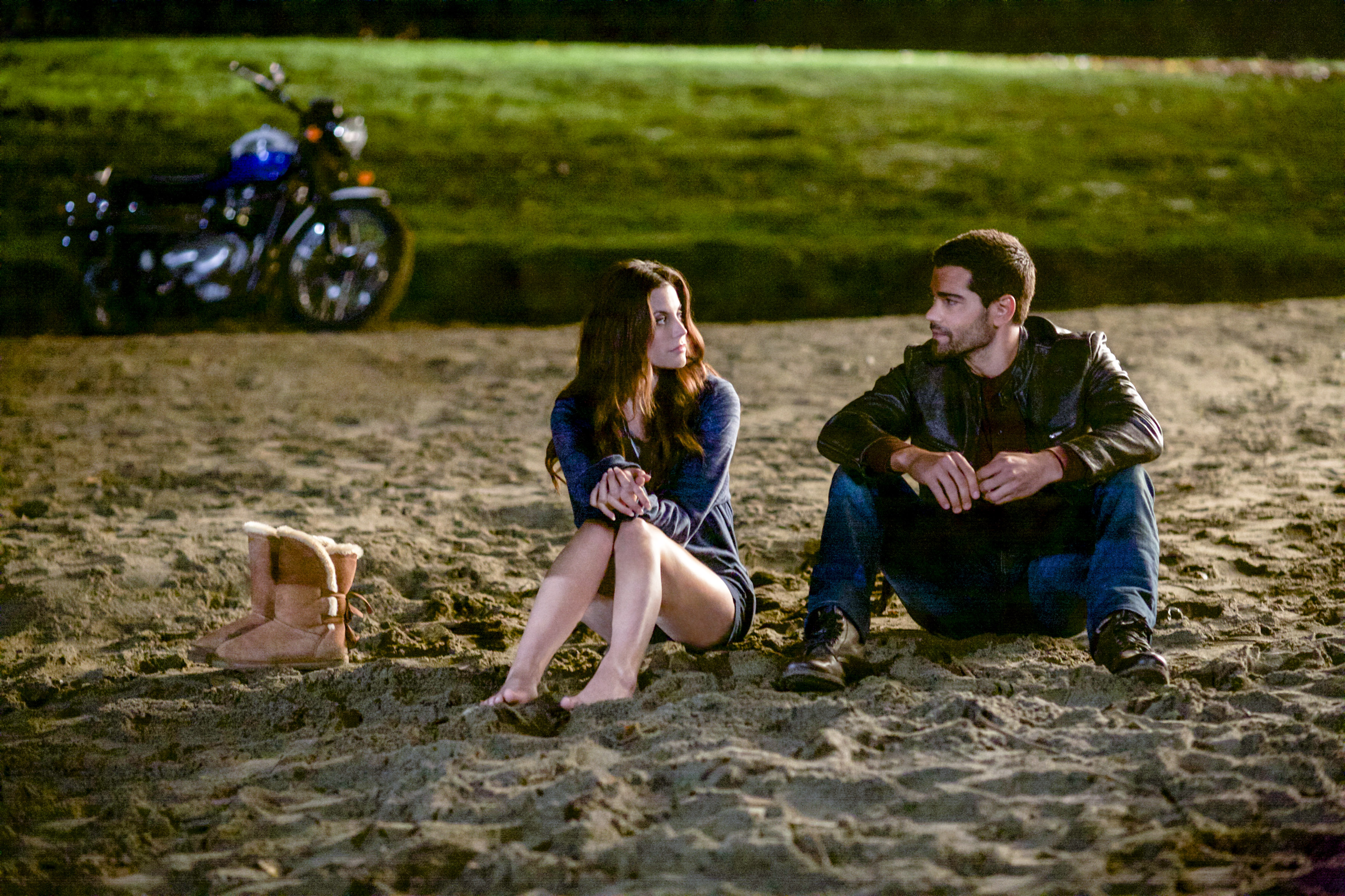 First Look: Meghan Ory and Jesse Metcalfe in Chesapeake Shores (VIDEO)