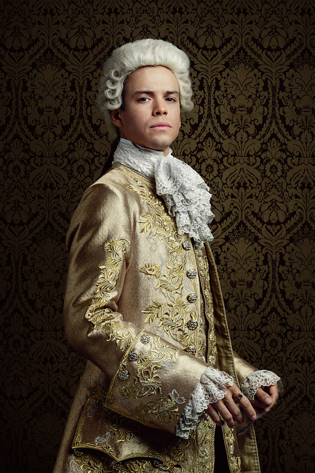 Outlander Season 2 2016 - King Louis XV (Lionel Lingelser)
