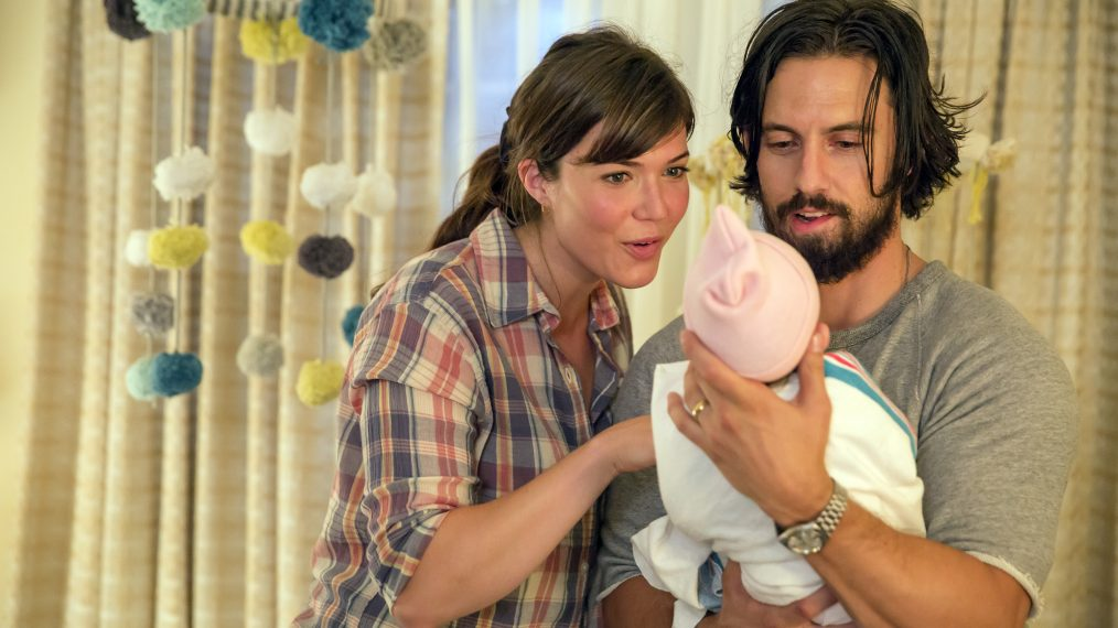 "This is Us -- ""Kyle"" Episode 103 -- Pictured: (l-r) Mandy Moore as Rebecca, Milo Ventimiglia as Jack -- (Photo by: Ron Batzdorff/NBC)"