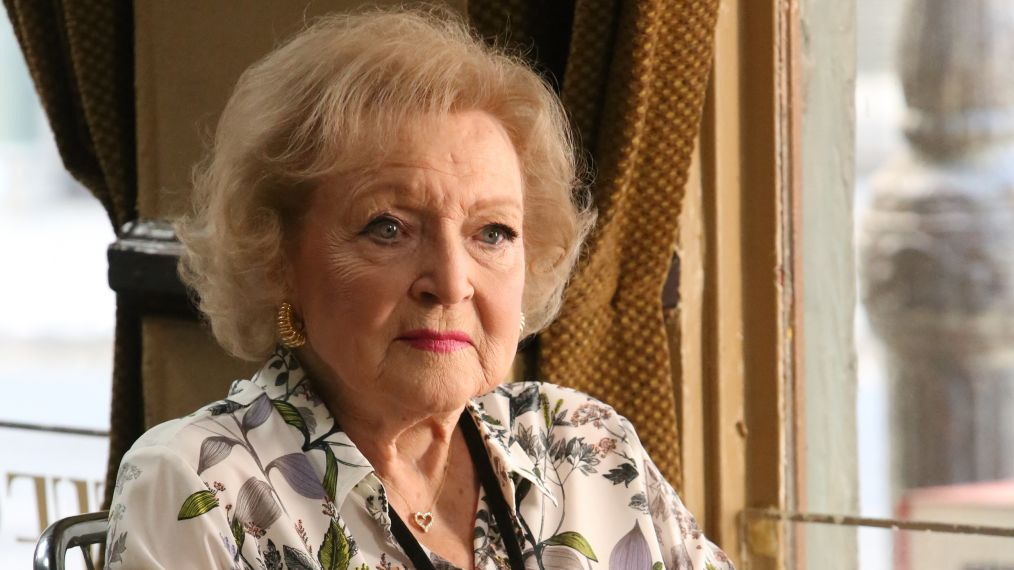 'Bones': Booth and Brennan Reunite with Betty White's Dr. Mayer (VIDEO)