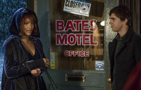 Bates Motel - Rihanna, Freddie Highmore