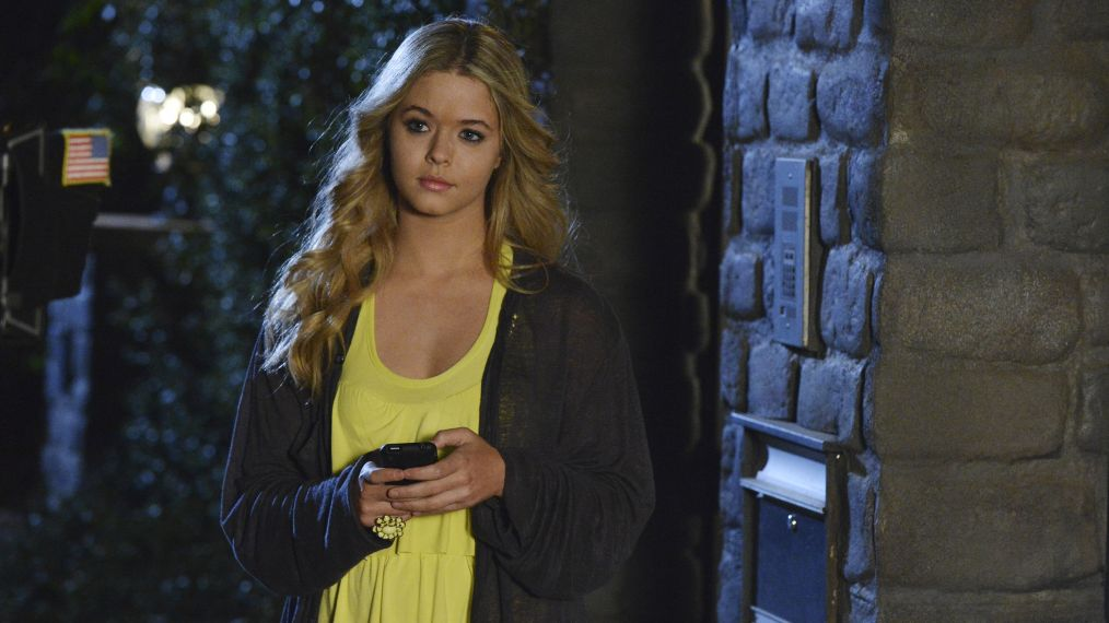 PRETTY LITTLE LIARS - SASHA PIETERSE