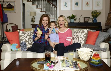 Playing House - Lennon Parham, Tatum Conte, Jessica St. Clair