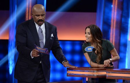CLIP: Eva Longoria Drop Stink Bombs on 'Celebrity Family Feud'
