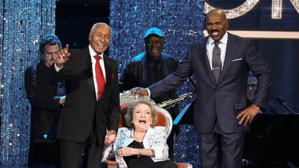 Betty White Steals the Show With a Big Surprise on 'Little Big Shots: Forever Young' (VIDEO)