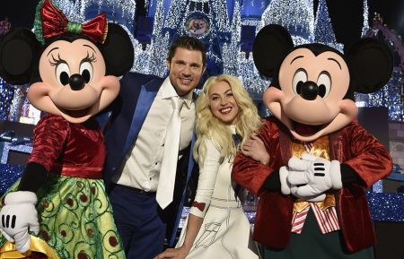 THE WONDERFUL WORLD OF DISNEY: MAGICAL HOLIDAY CELEBRATION - MINNIE MOUSE, JULIANNE HOUGH, NICK LACHEY, MICKEY MOUSE