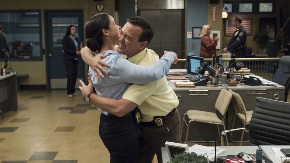 BROOKLYN NINE-NINE - Melissa Fumero, Joe Lo Truglio