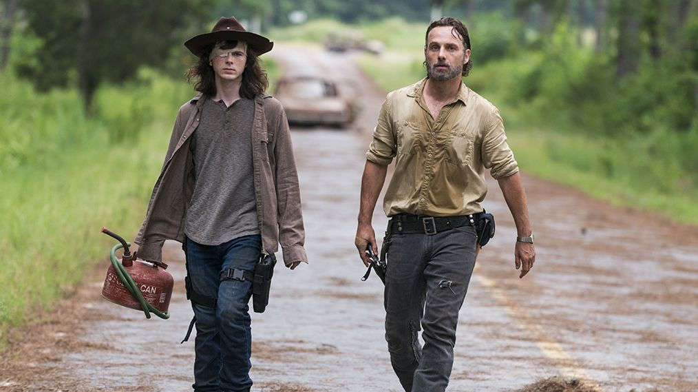 Andrew Lincoln as Rick Grimes, Chandler Riggs as Carl Grimes - The Walking Dead Season 8, Episode 8