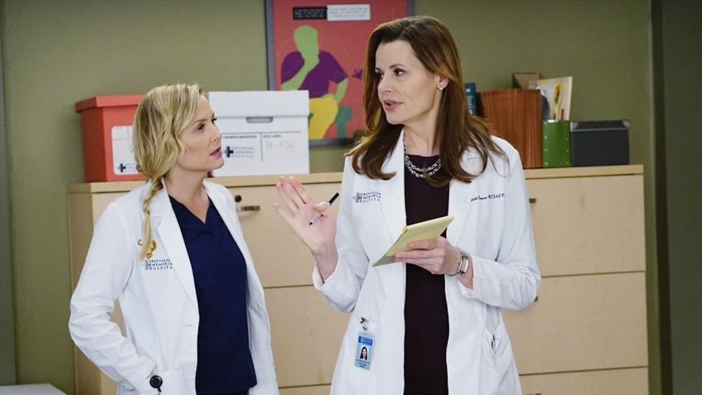 Geena Davis' Return to 'Grey's Anatomy' Says a Lot About Arizona's Fate
