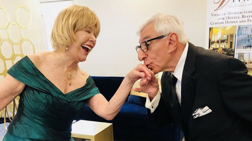 'M*A*S*H' Stars Jamie Farr & Loretta Swit Reunited This Week (PHOTO)