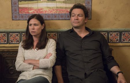 Maura Tierney as Helen and Dominic West as Noah in The Affair (season 4, episode 1). - Photo: Paul Sarkis/SHOWTIME