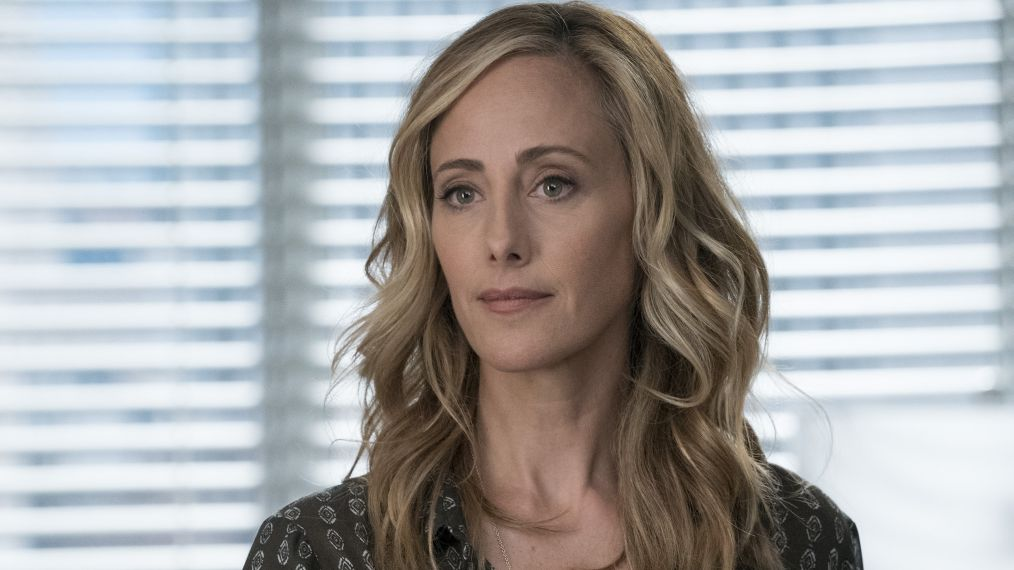 Grey\'s Anatomy\' Star Kim Raver on Pregnant Teddy\'s Love Triangle ...