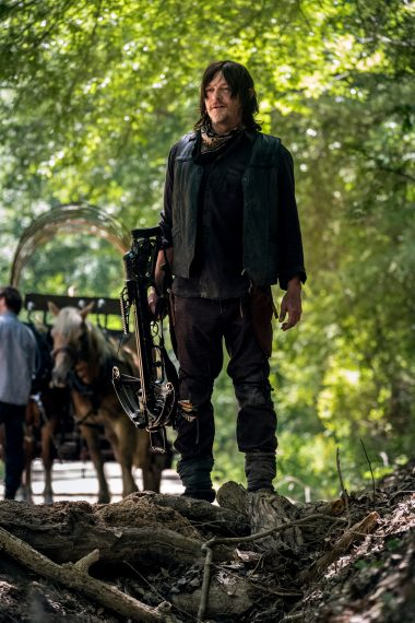The Walking  inanimate - Norman Reedus - Norman Reedus as Daryl Dixon - The Walking  inanimate _ Season 9, Episode 1 -