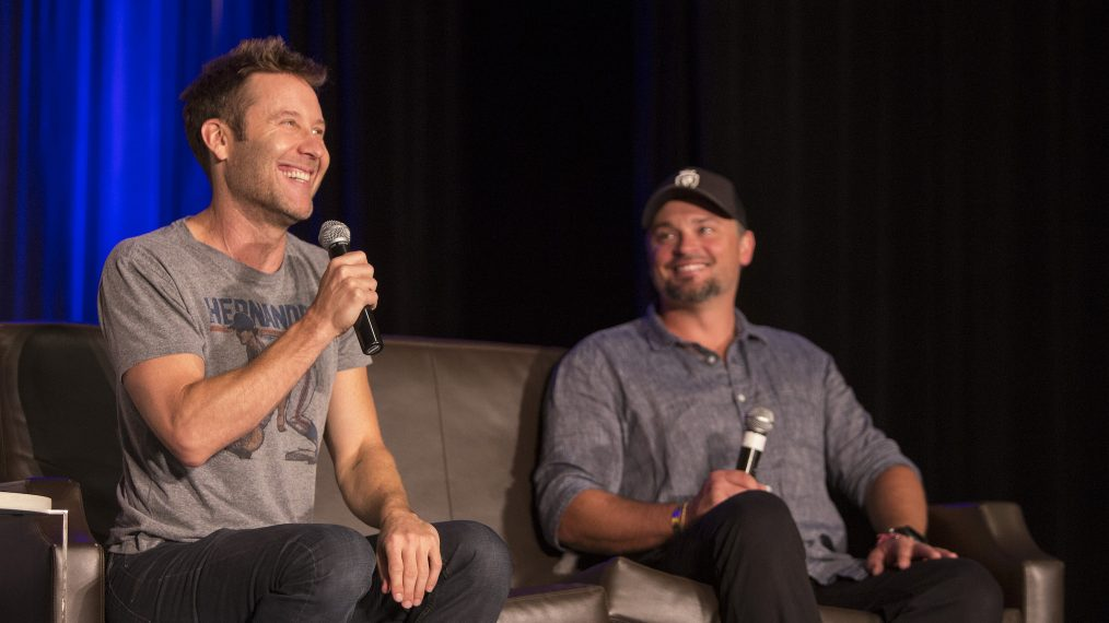'Smallville' Reunion! See Tom Welling & Michael Rosenbaum Back Together (PHOTO)