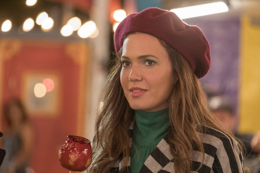 "THIS IS US -- ""Nine Bucks"" Episode 301 -- Pictured: Mandy Moore as Rebecca -- (Photo by: Ron Batzdorff/NBC)"