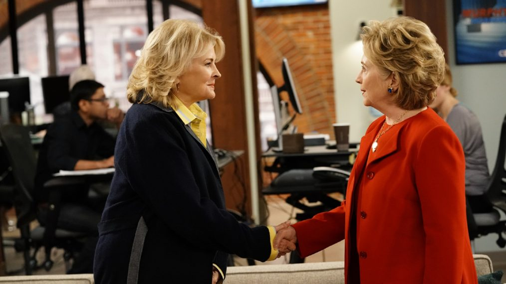 """Fake News""--Multiple Emmy Award winner Candice Bergen returns as the eponymous broadcast news legend in the revival of the groundbreaking comedy series MURPHY BROWN, which premieres Thursday, Sept. 27 (9:30-10:00 PM, ET/PT) on the CBS Television Network. Pictured L-R: Candice Bergen as Murphy Brown and Former Secretary of State Hillary Clinton. Photo: John Paul Filo/CBS ©2018 CBS Broadcasting Inc. All Rights Reserved."