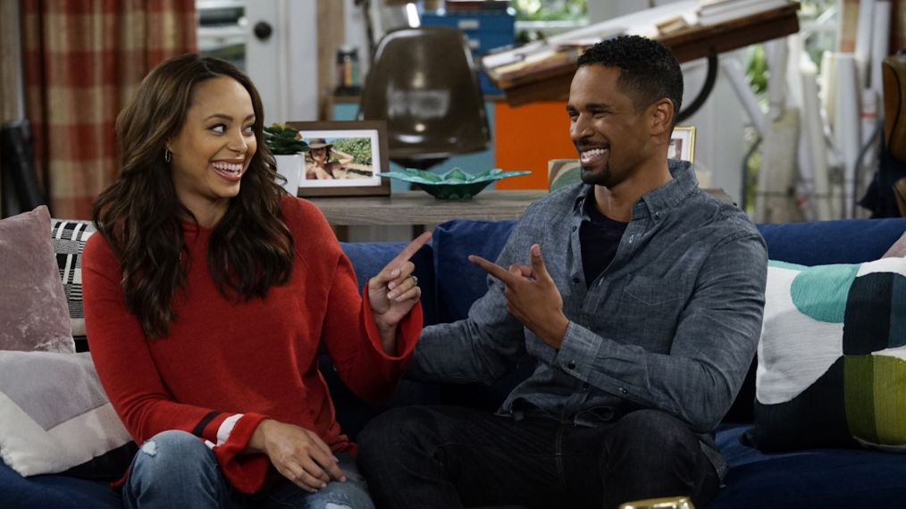 Damon Wayans Jr. & Amber Stevens West Talk 'Happy Together' — Plus, Scoop on Damon Wayans Sr.'s Role!