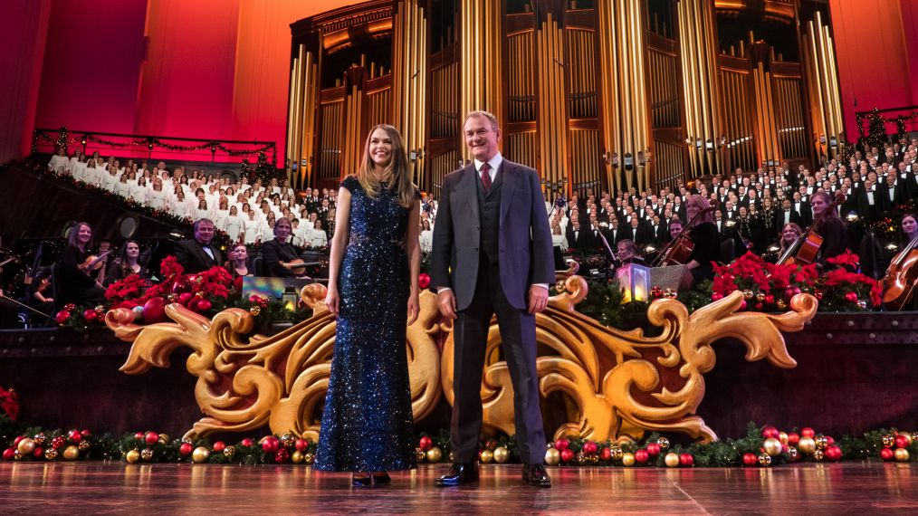 'Christmas With the Mormon Tabernacle Choir' Concert Narrator Hugh Bonneville Calls the Special 'Epic'