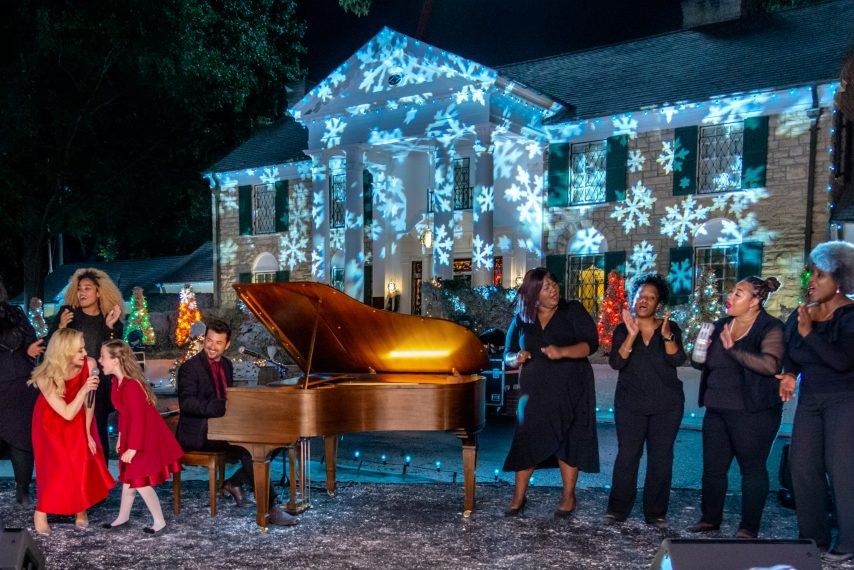 Christmas At Graceland Hallmark.Kellie Pickler Makes Her Acting Debut In Hallmark S
