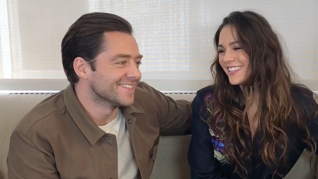 Sophie Skelton & Richard Rankin Tease Singing, Dancing & Danger! (VIDEO)