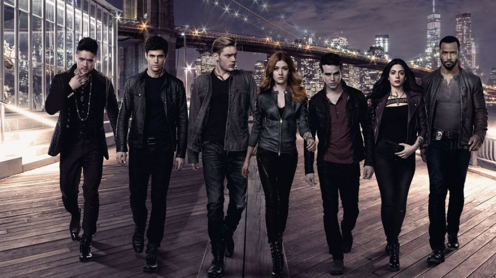 'Shadowhunters' Cast Says Goodbye to the Fans Before the Series Finale (VIDEO)