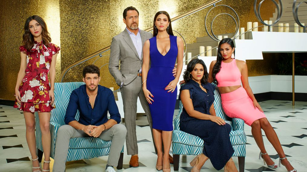 Eva Longoria on Running 'Grand Hotel' & the Thorny Mendoza Family (VIDEO)