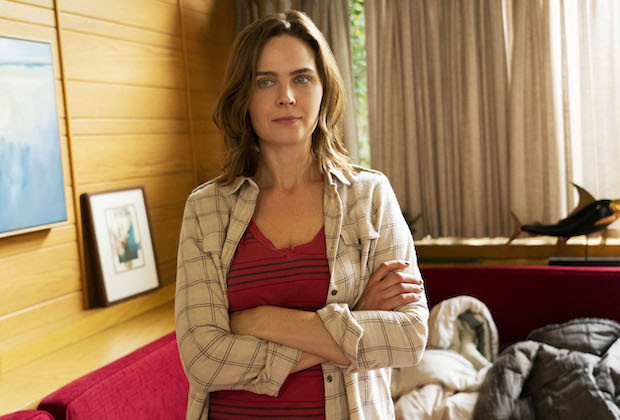 Animal Kingdom Newbie Emily Deschanel On Her Character Angela