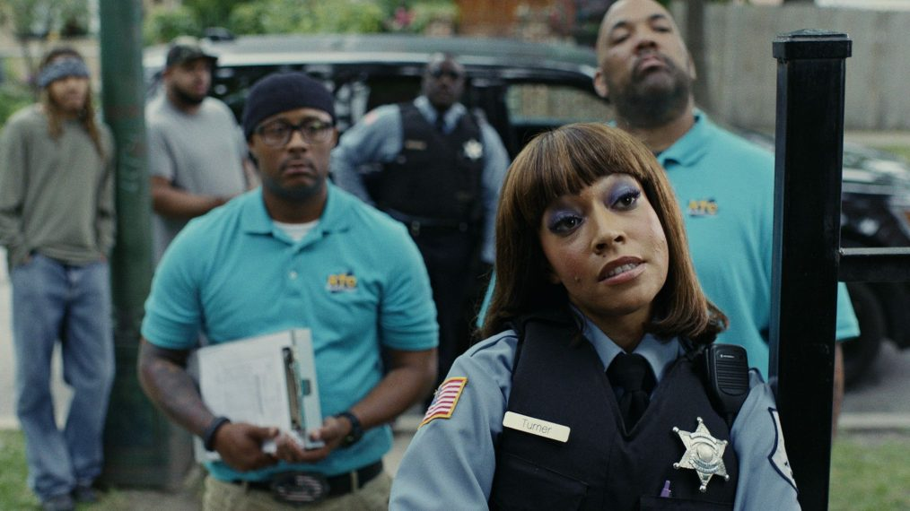 Hang in the 'South Side' of Chicago in Comedy Central's New Series (PHOTOS)