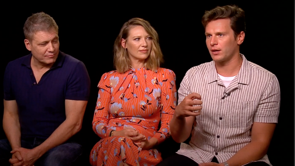 'Mindhunter': Jonathan Groff, Anna Torv & Holt McCallany Take Us Inside Season 2 (VIDEO)