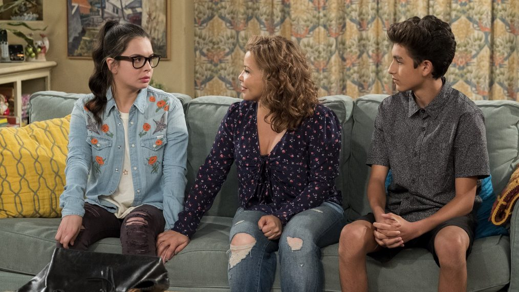 'One Day at a Time's Writers Celebrate Season 4 Return on Social Media (PHOTO)