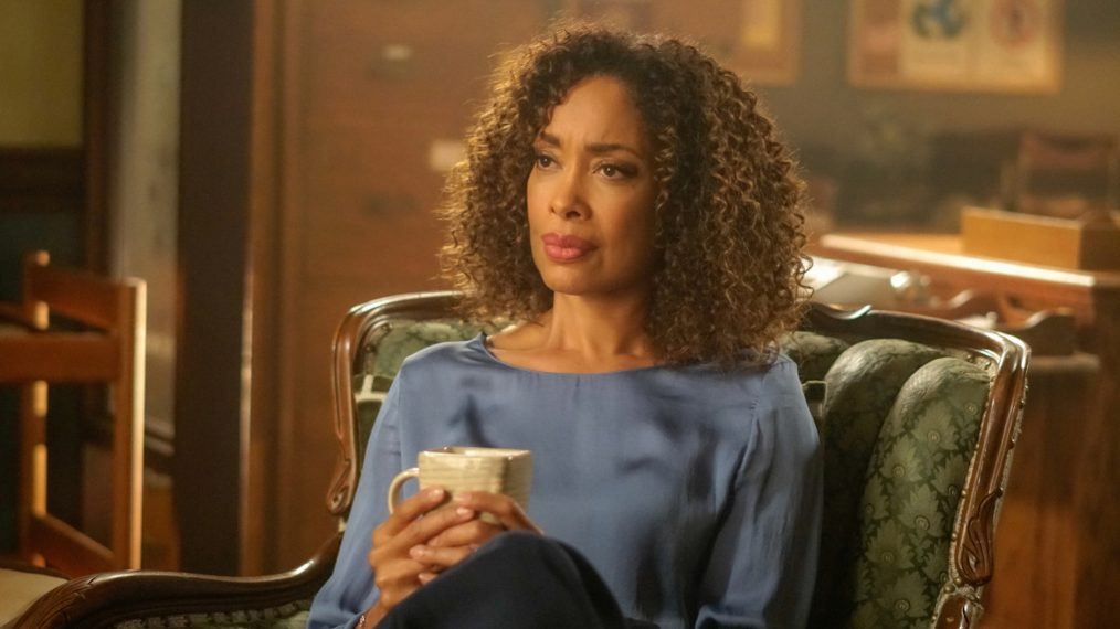 Gina Torres Guest Stars as 'Riverdale's Guidance Counselor (PHOTOS)