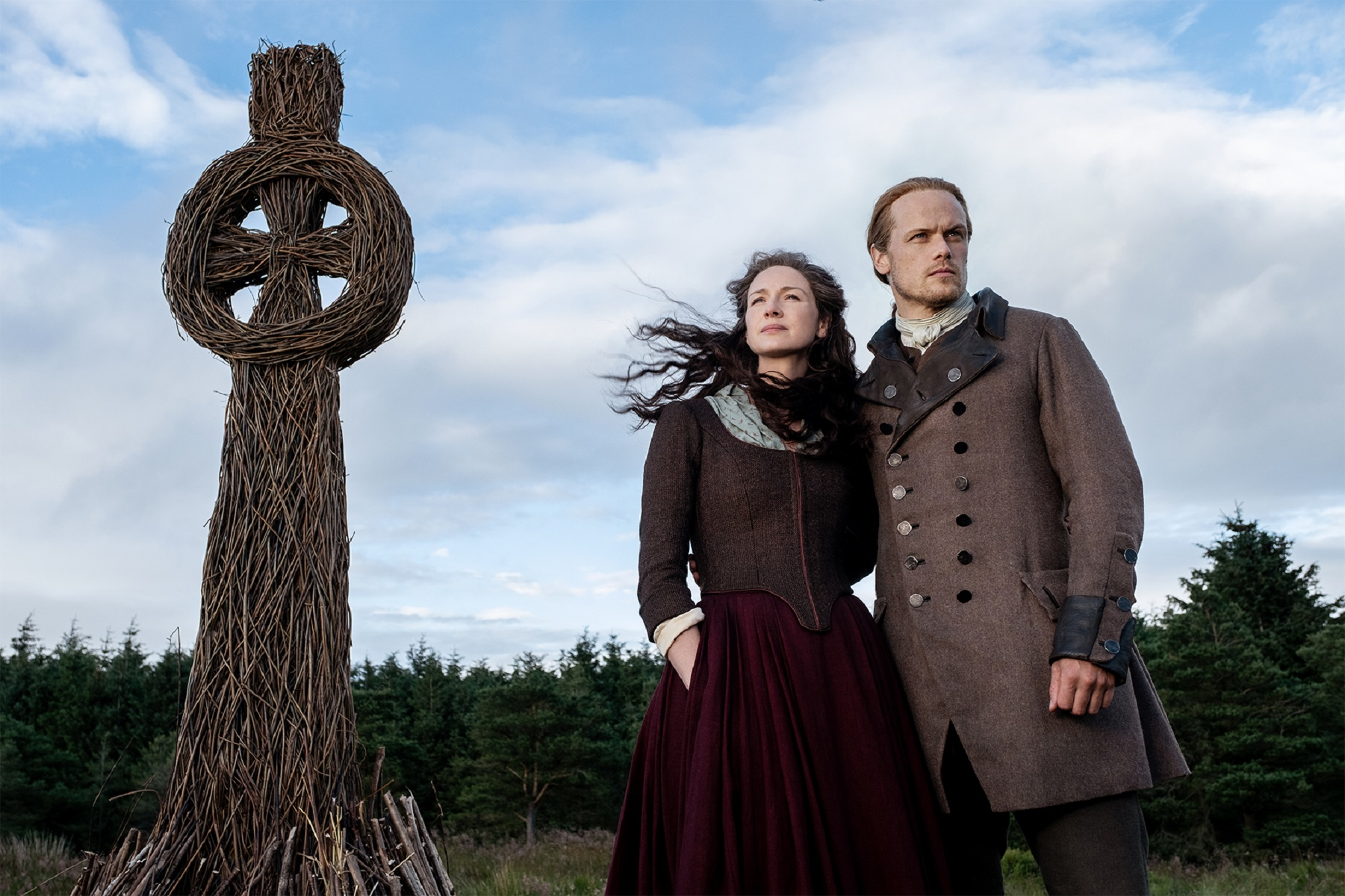 Outlander' Season 5 Premiere: Vows Are Made & Broken in 'The Fiery ...