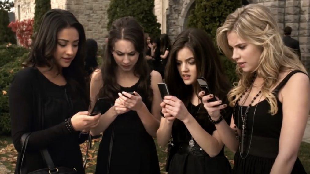 Pretty Little Liars, First Text From A