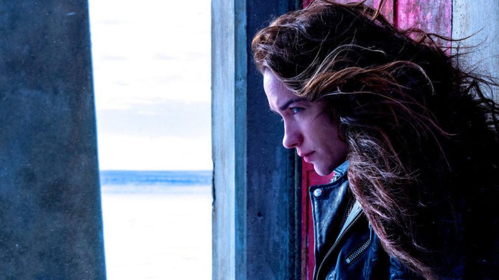 Melanie Scrofano Wynonna Earp Season 4 Episode 2