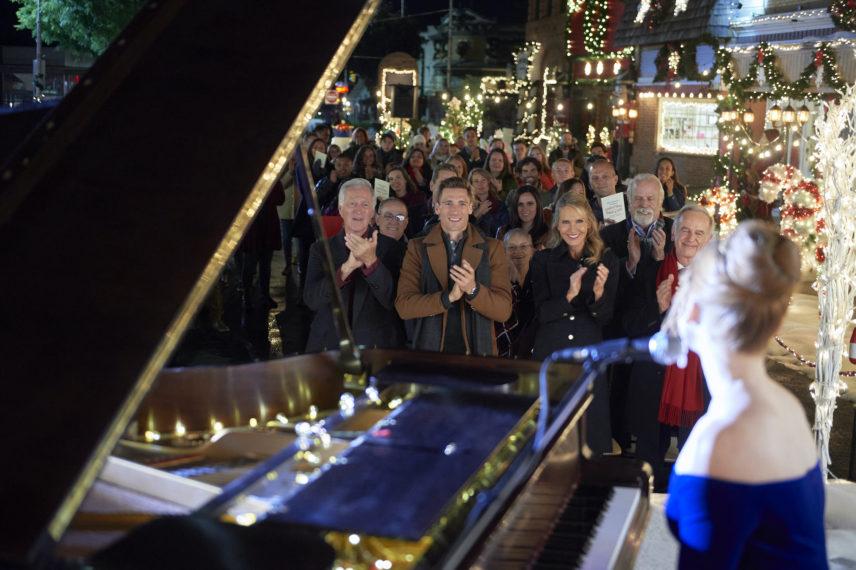 Christmas Tree Lane Meg Singing Nate Alicia Witt Andrew Walker