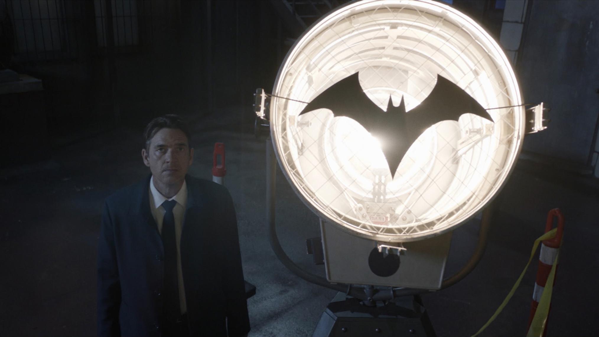 Dougray Scott Batwoman Season 2 Premiere Jacob Kane Bat Signal