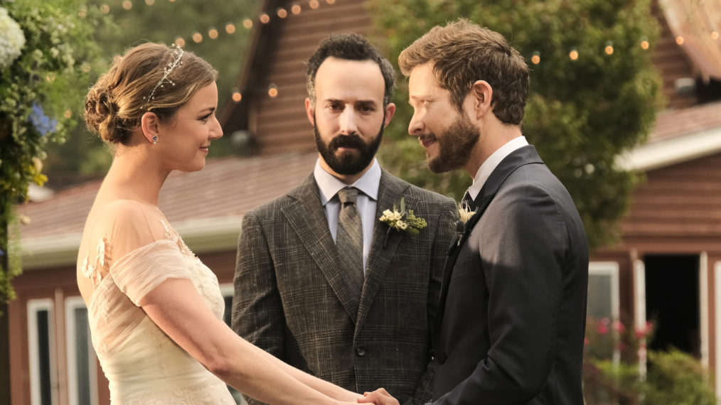 Emily VanCamp Matt Czuchry Conrad Nic Wedding Resident Season 4