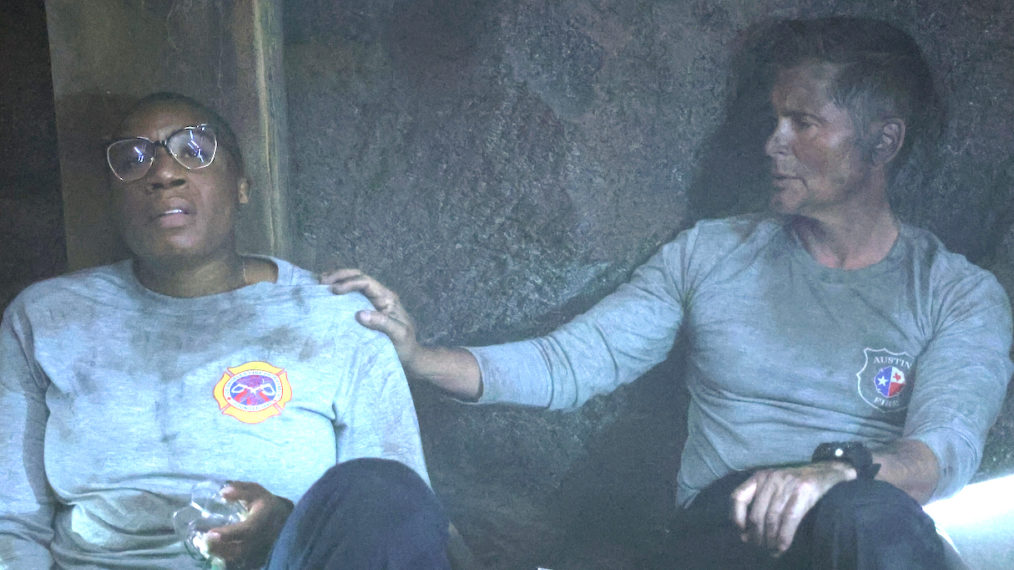 911 Lone Star Hen Owen Crossover Aisha Hinds Rob Lowe