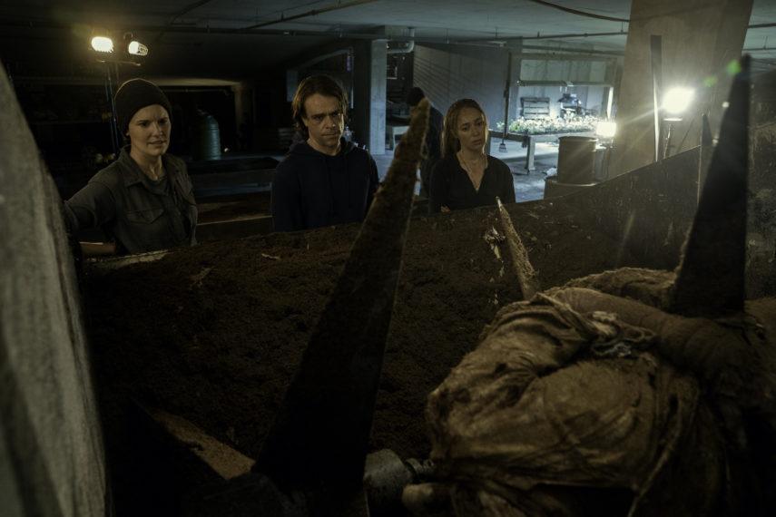 ftwd season 6 episode 11 the holding alycia debnam carey maggie grace