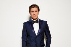 'HIMYM' Sequel 'How I Met Your Father' Adds Chris Lowell