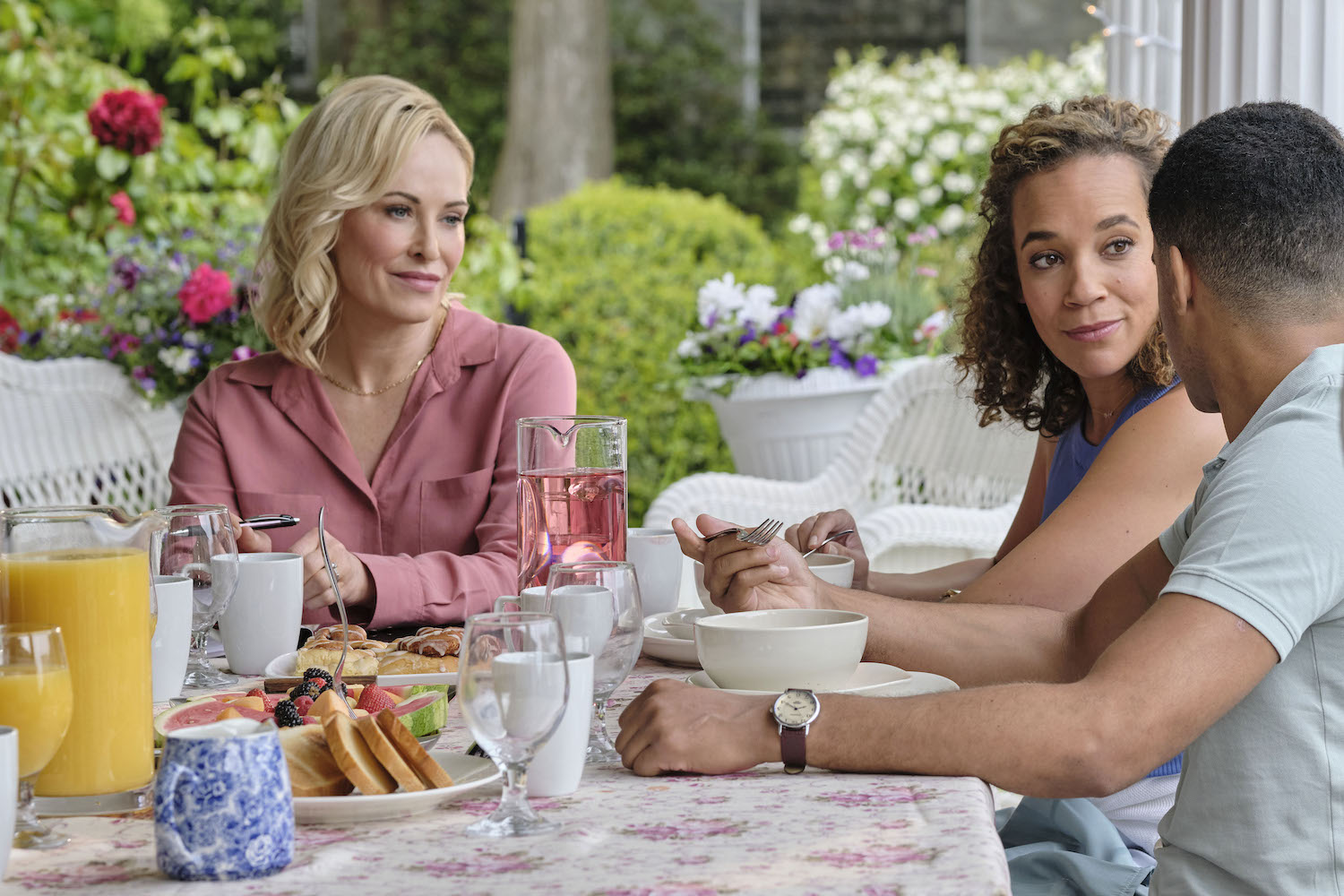 'Sealed with a Kiss: Wedding March 6' Stars Josie Bissett, Caitlin Stryker, and Nathan Witte