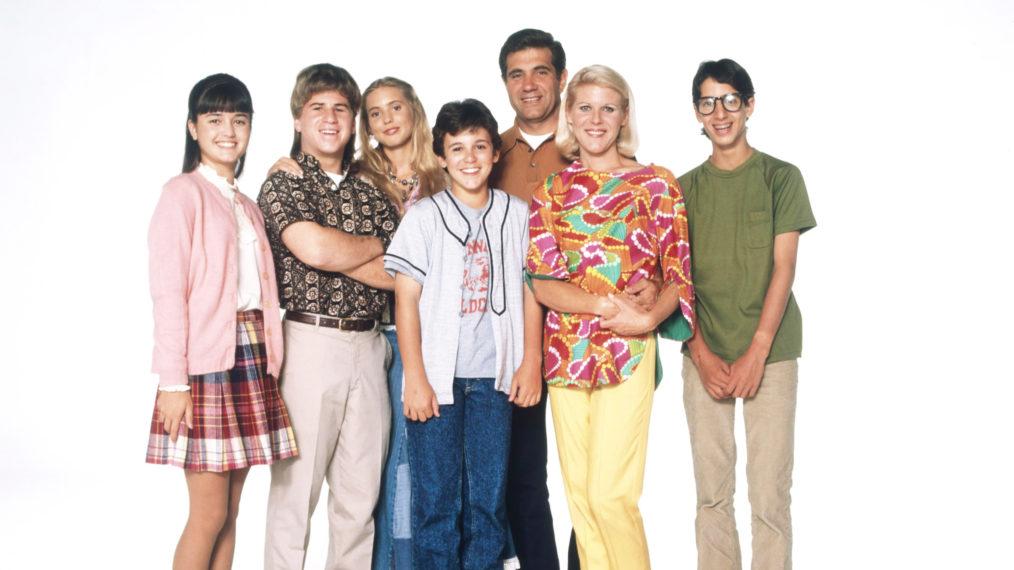 Danica McKellar, Jason Hervey, Olivia d'Abo, Fred Savage, Dan Lauria, Alley Mills, Josh Saviano of the original Wonder Years