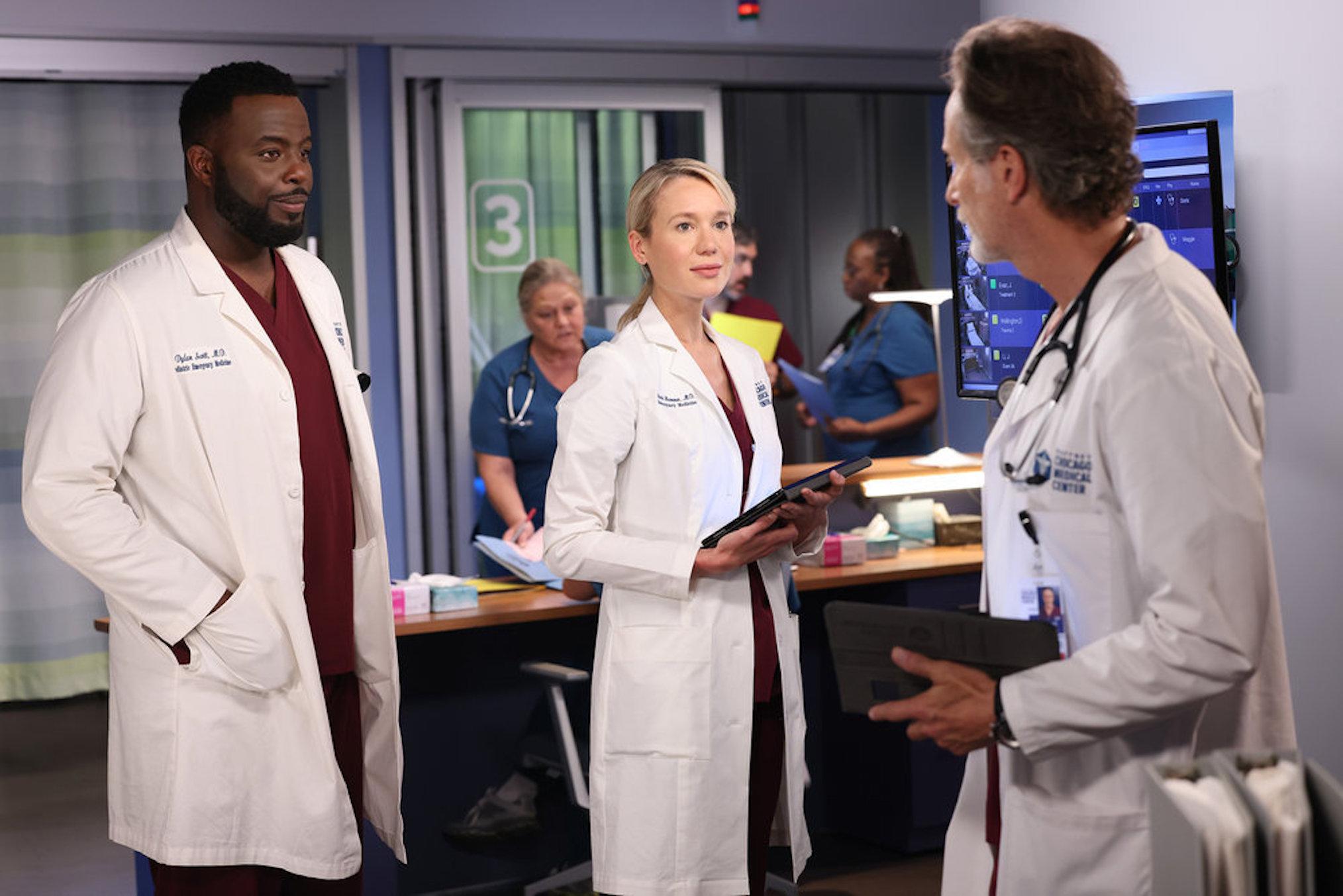 Guy Lockard as Dylan, Kristin Hager as Stevie, Steven Weber as Dean in Chicago Med