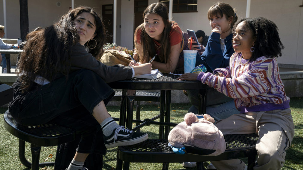 Haley Sanchez, Lukita Maxwell, Chloe East, Nathanya Alexander in Generation