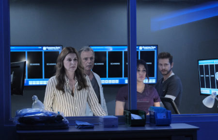 Jane Leeves, Bruce Greenwood, Anuja Joshi, Matt Czuchry in The Resident