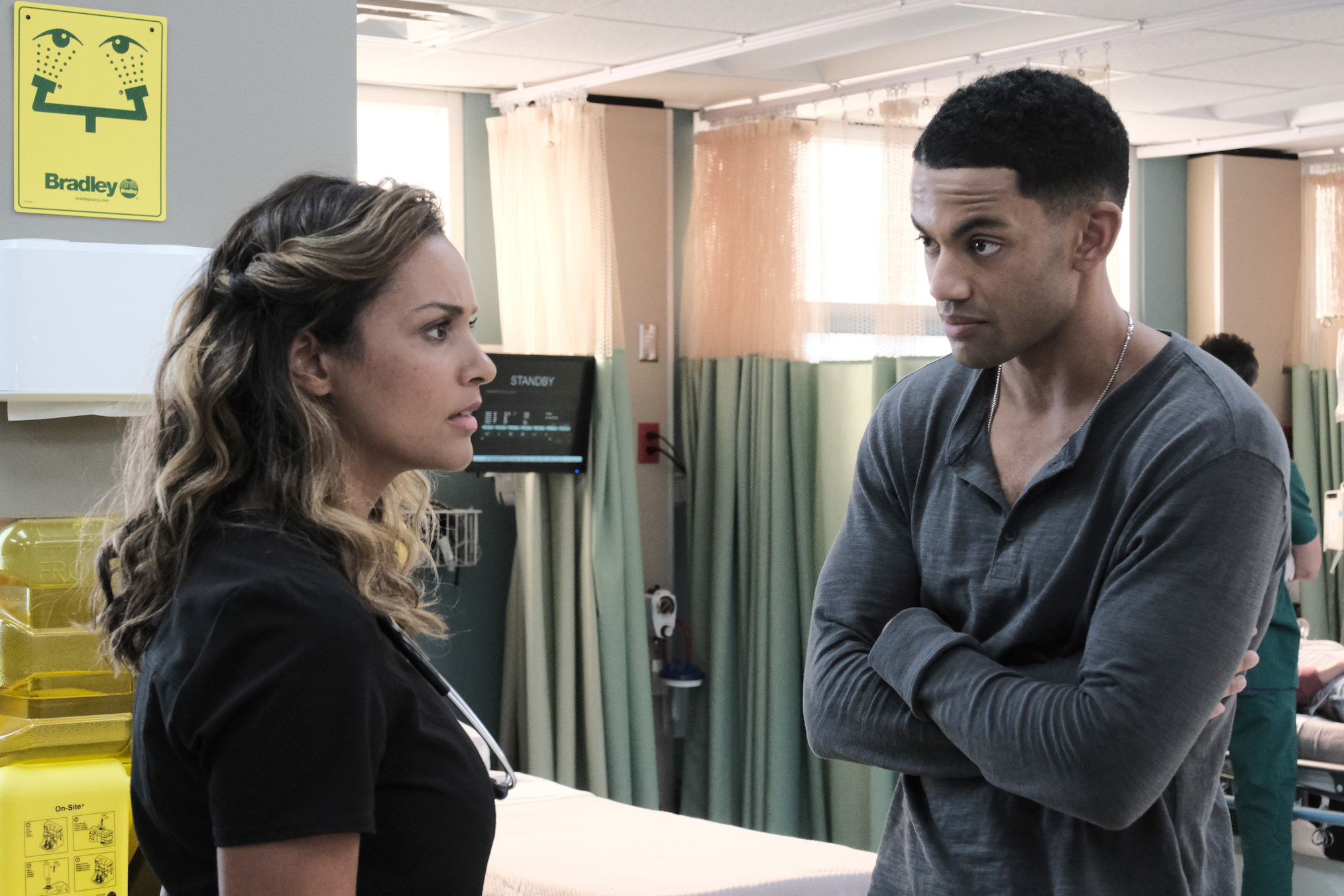 Jessica Lucas as Billie, Miles Fowler as Trevor in The Resident