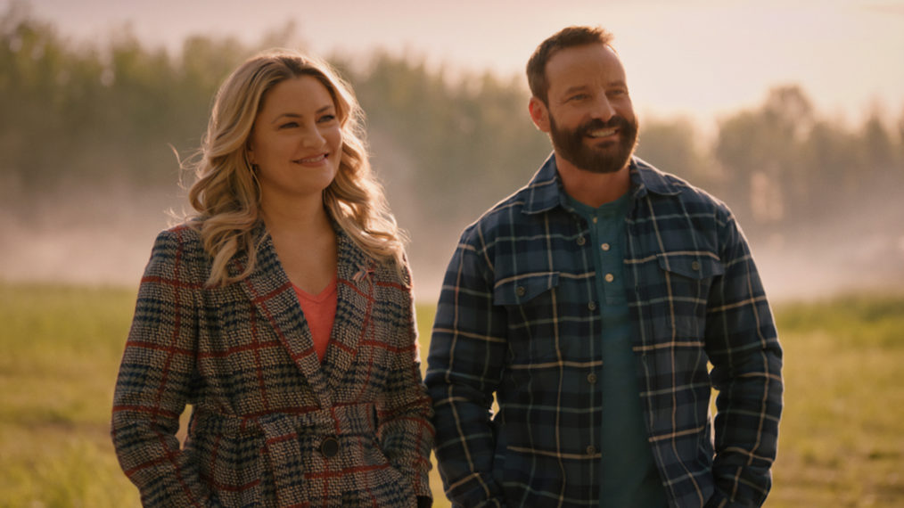 Mӓdchen Amick as Alice, Ryan Robbins as Frank in Riverdale